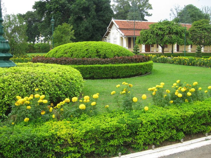Entretien espace vert jardinage cr ation du jardin for Espace vert nord